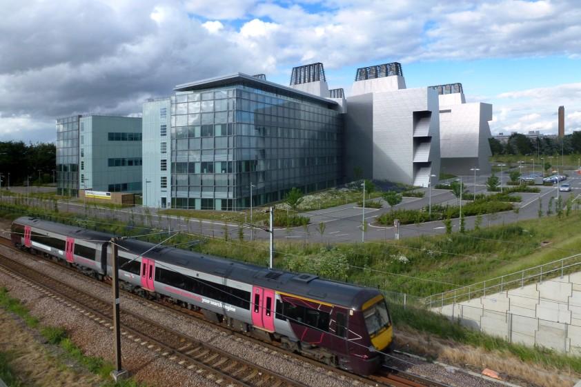 Cmglee_Cambridge_LMB_train